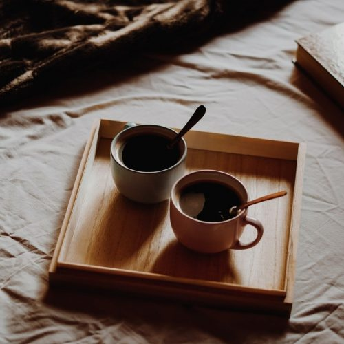 photo-of-cups-on-wooden-tray-1596563